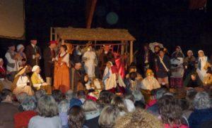 Spectacle de la pastorale des santons de Provence avec la compagnie La Source, à Langogne